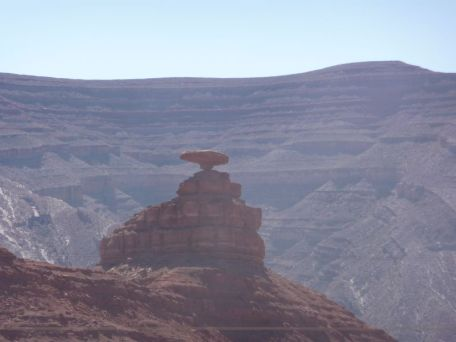 Mexican Hat, ca. 35 km van MV.